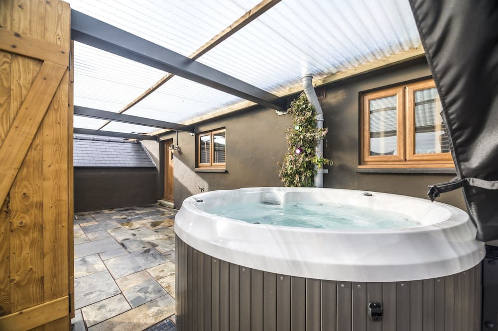 Rumah Deluks - Bathtub spa pribadi