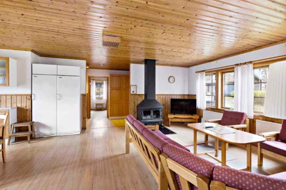 Cabin (8 Beds) - Living Area