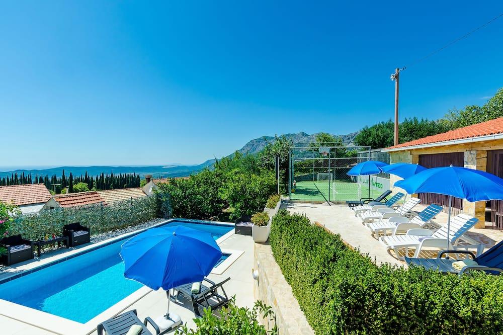 Villa (Three Bedroom Apartment with Terrace ) - Pool