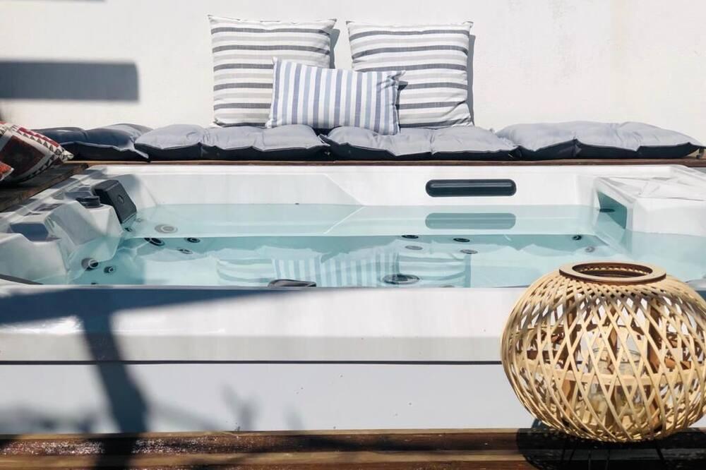 Apartamento Deluxe, 2 habitaciones, bañera de hidromasaje, vistas al jardín - Bañera de hidromasaje privada