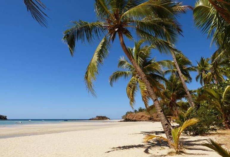 Nosy be, a Wonderful Location to Have a Relaxing Vacation, Nosy Be, Strand