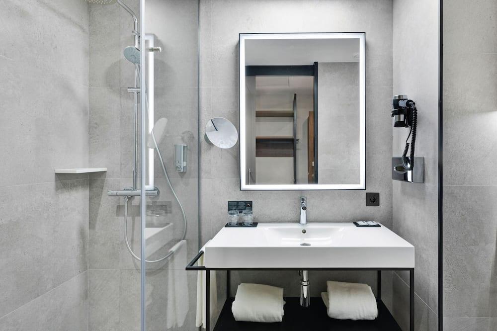 Номер «Делюкс», багатомісний номер - Ванна кімната