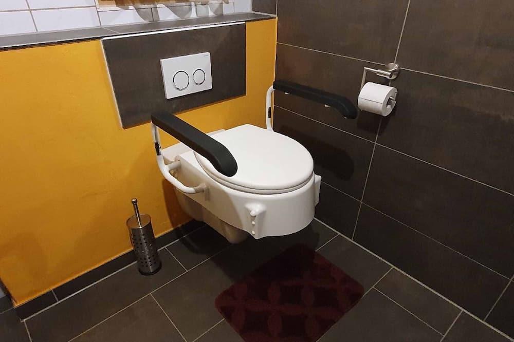 Apartment, Patio - Bathroom