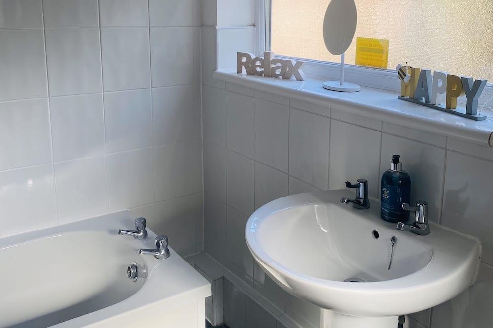 Talo, Useita sänkyjä - Kylpyhuone