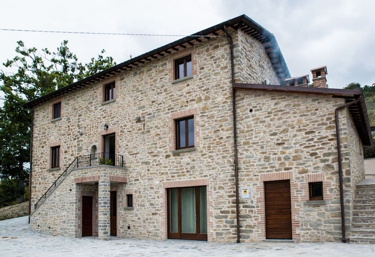 Vintage Holiday Home in Carpegna With Terrace, Carpegna