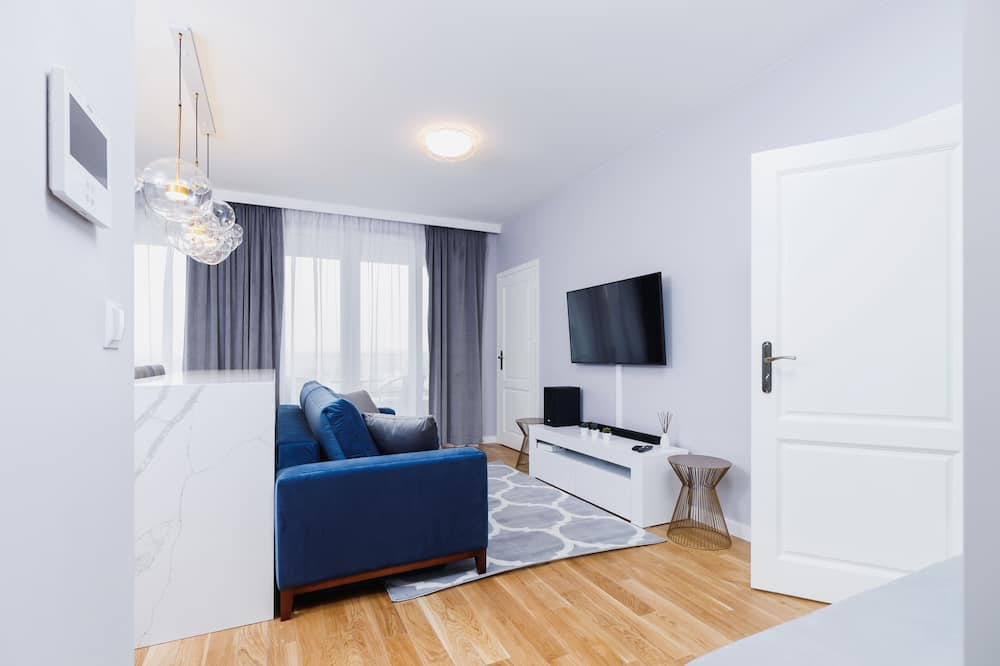 דירה, 2 חדרי שינה, מרפסת - אזור מגורים