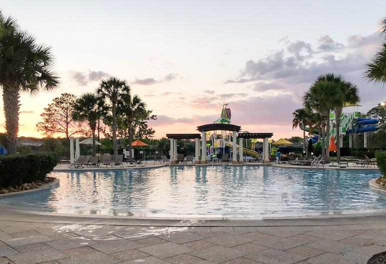 Upgraded Escape Pool & Hot Tub Mins To Disney 3 Bedroom Condo, Kissimmee, Appartamento, 3 camere da letto, Piscina
