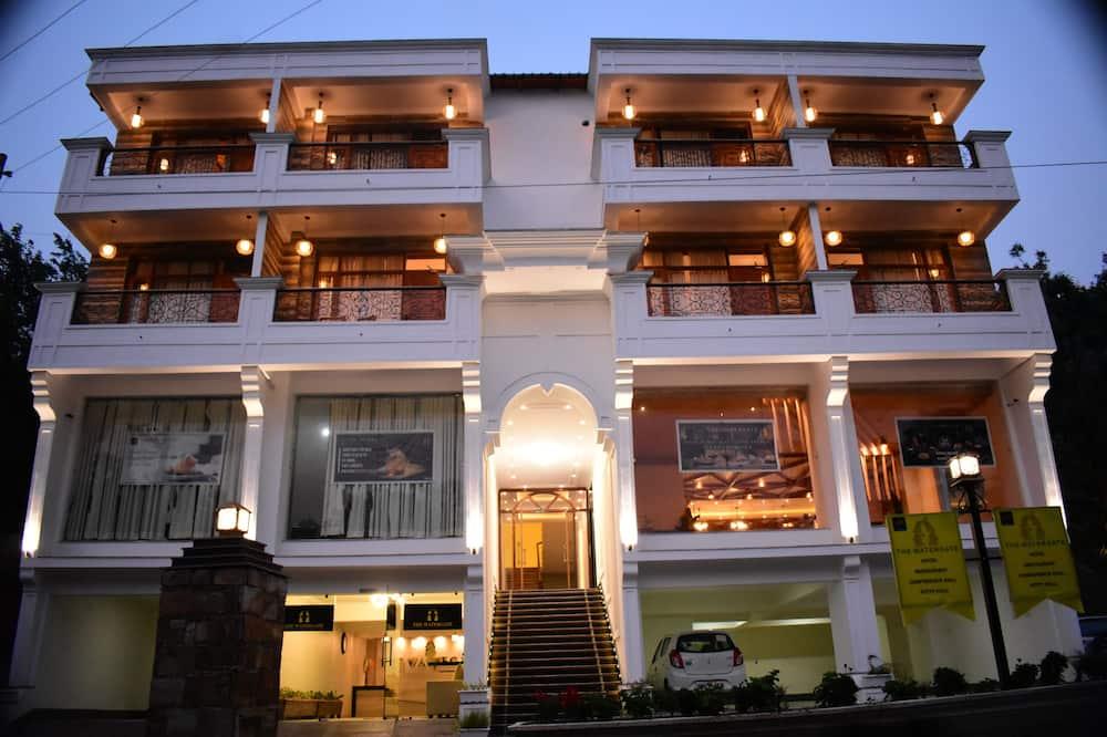 Aaroham The Watergate Hotel