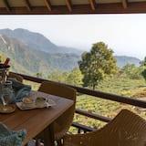 Chambre, 1 très grand lit (Tea Plantation Villa Room) - Vue depuis le balcon