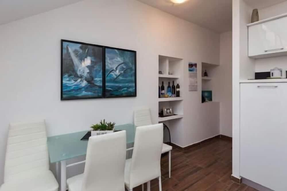 Departamento (Duplex Two-Bedroom Apartment with Ter) - Servicio de comidas en la habitación