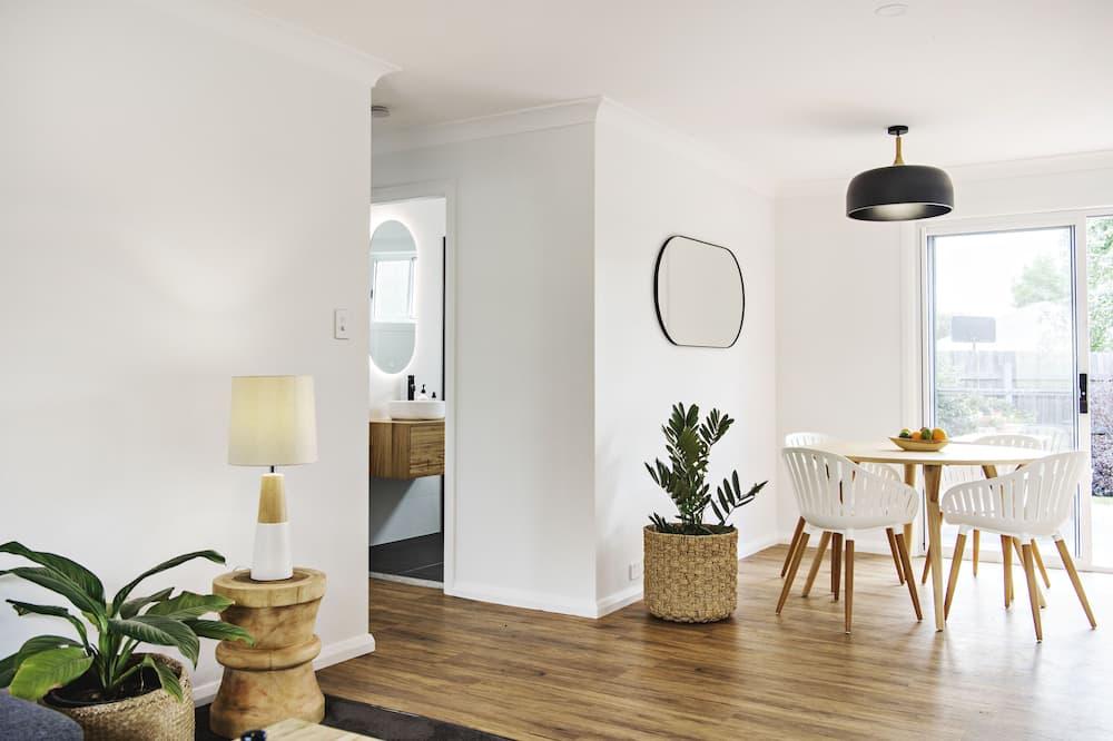 Superior House - Living Area