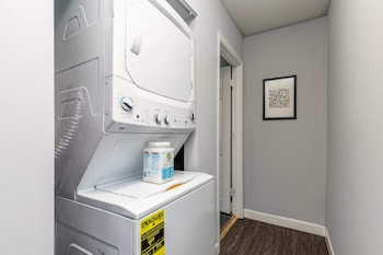 Slika: Updated CWE 1BR Near BJC by Zencity ‒ St. Louis