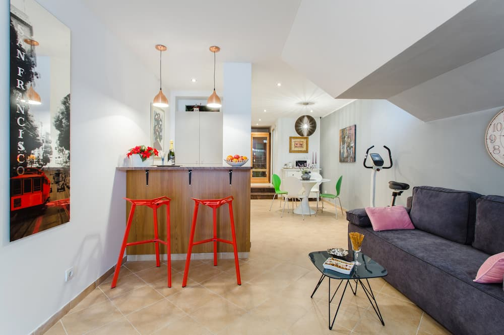 Estudio (Studio Apartment with Sauna) - Sala de estar