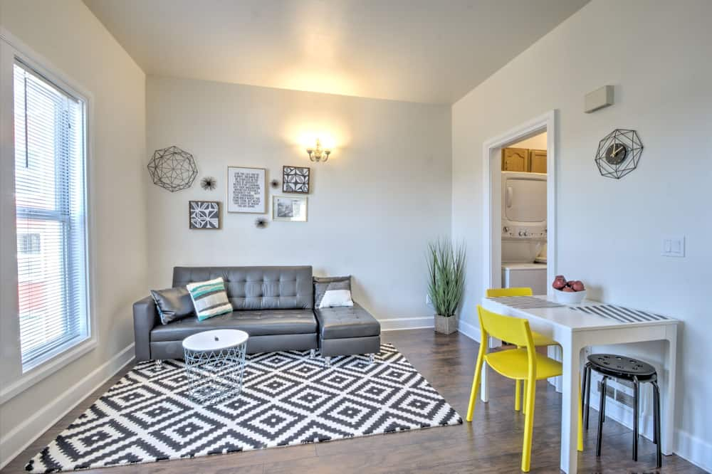 Signature Condo, 1 Bedroom - Living Area