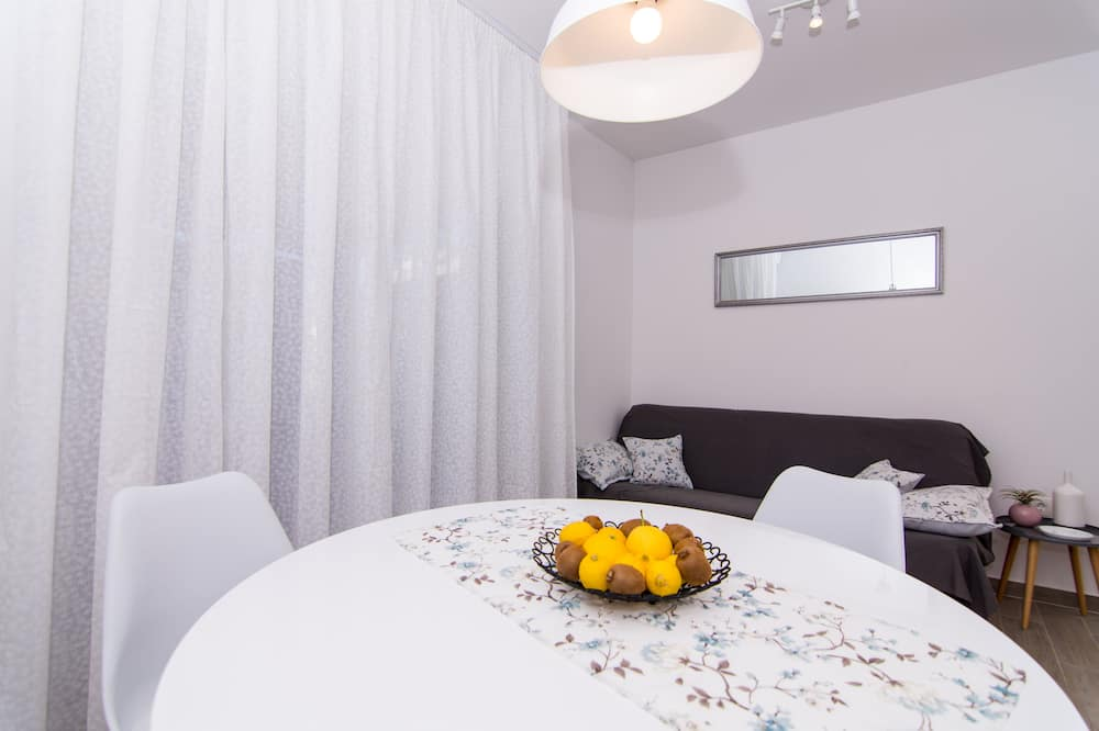 Apartmán (Two Bedroom Apartment with Terrace an) - Stravovanie v izbe
