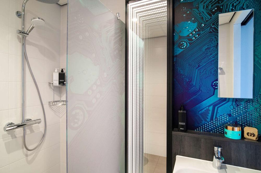 Chambre Double Standard, 1 lit double, vue ville - Salle de bain