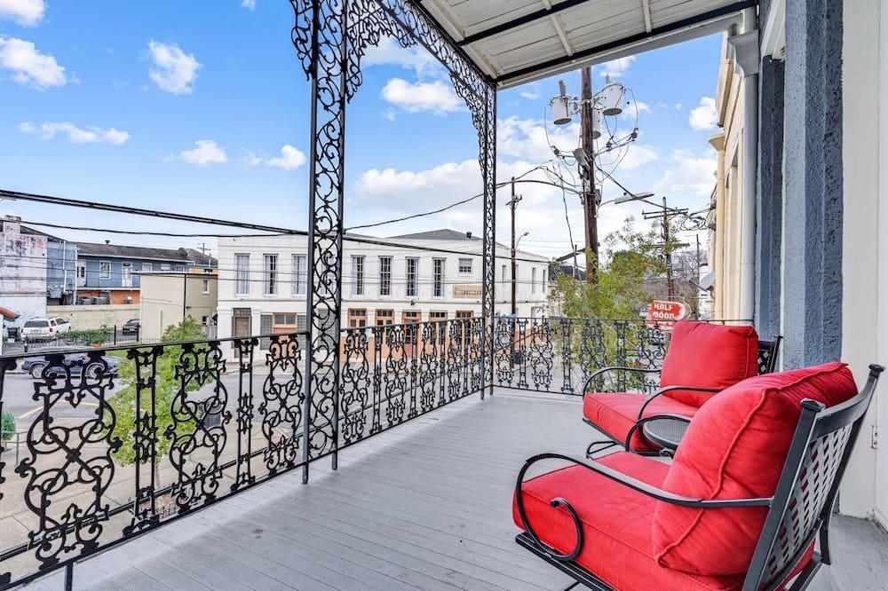 Byt (Luxurious Lower Garden District Condo) - Balkón