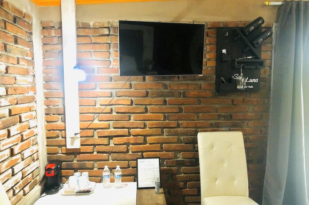 Deluxe Bungalow - Living Room