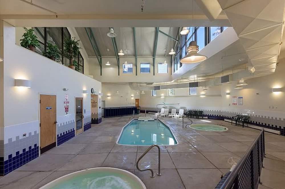 คอนโด, 1 ห้องนอน - สระว่ายน้ำ