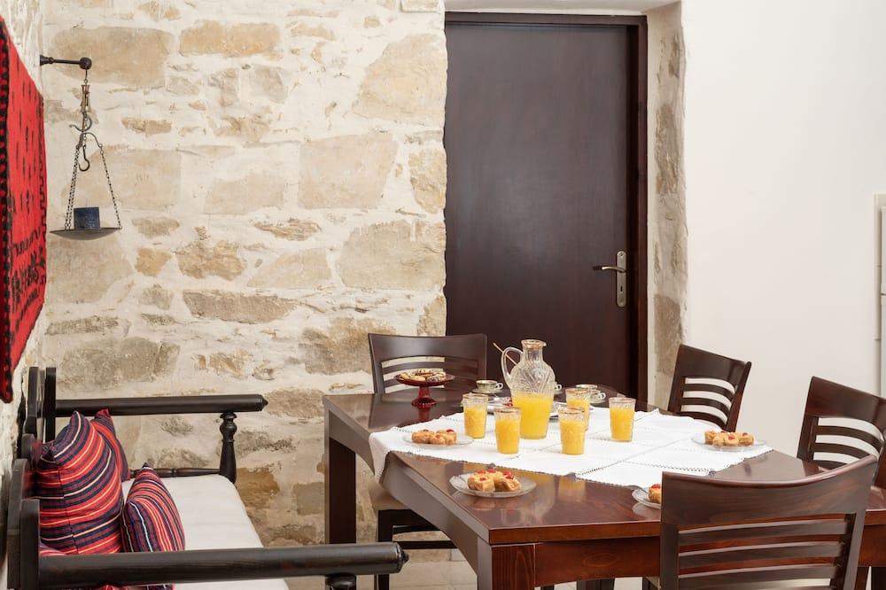 Tradičný dom - Obývacie priestory