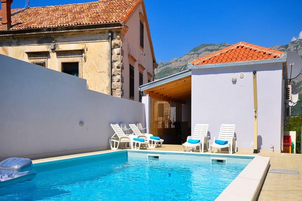 Dom (Three Bedroom Villa with Terrace and ) - Bazén