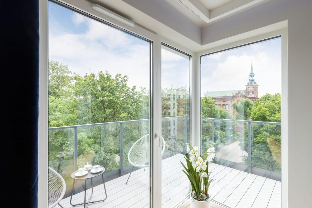 Dzīvokļnumurs, divas guļamistabas, balkons - Balkons