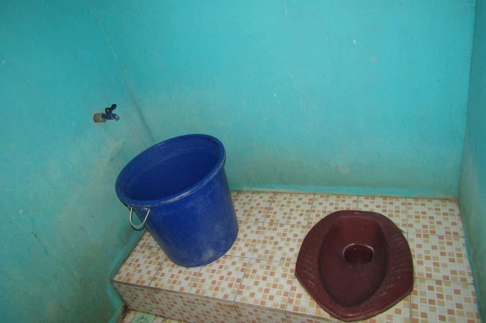 Standard Room (with AC) - Bilik mandi
