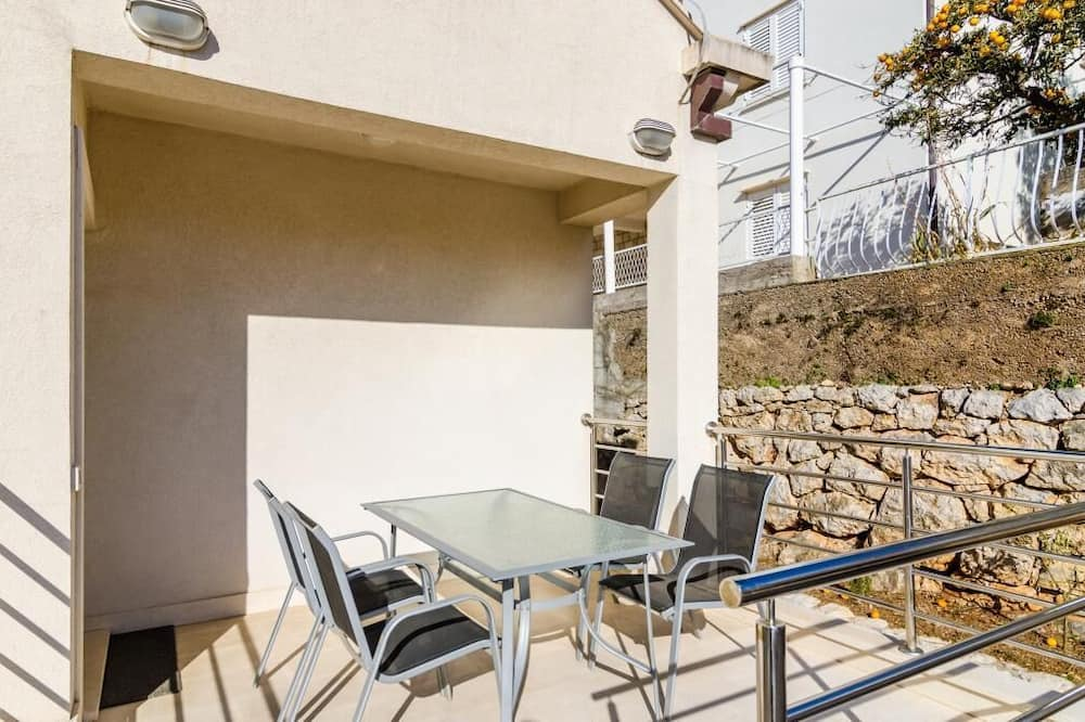 Apartmán (Two Bedroom Apartment with Balcony an) - Balkón