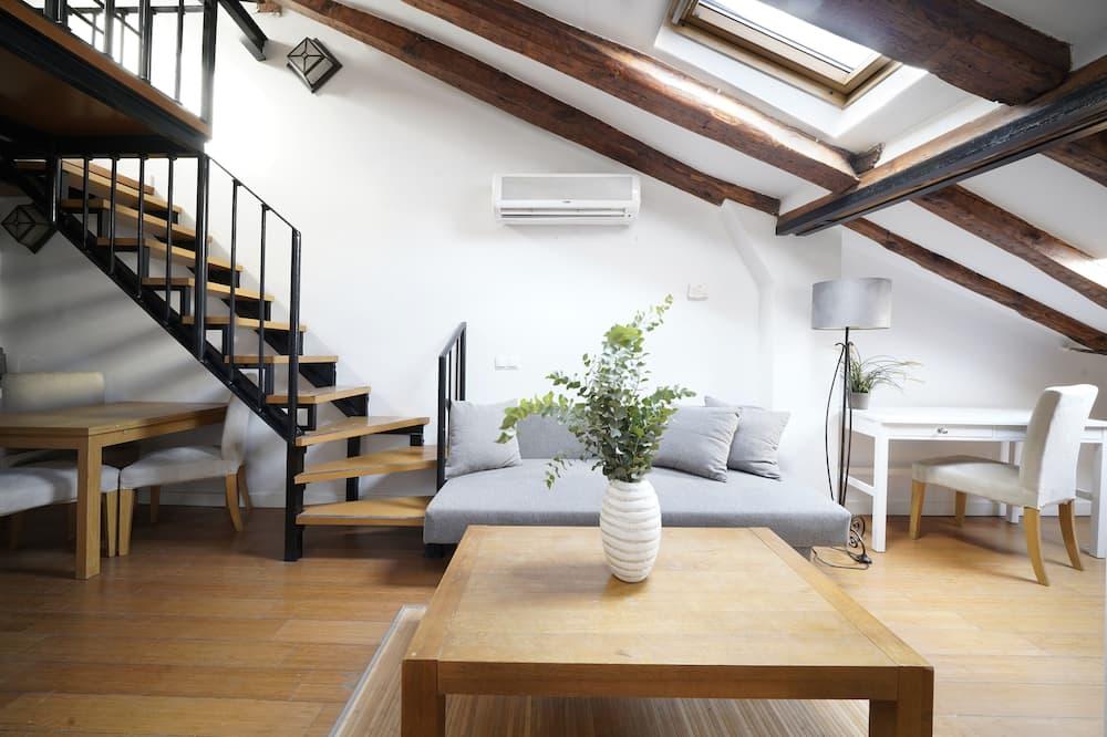 Dvojposchodový apartmán - Obývacie priestory