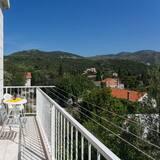 Apartamento (One Bedroom Apartment with Balcony an) - Varanda