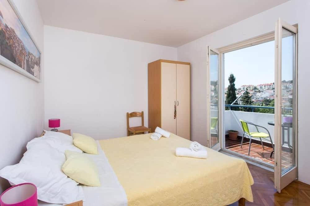 Apartamentai (One Bedroom Apartment with Balcony an) - Kambarys