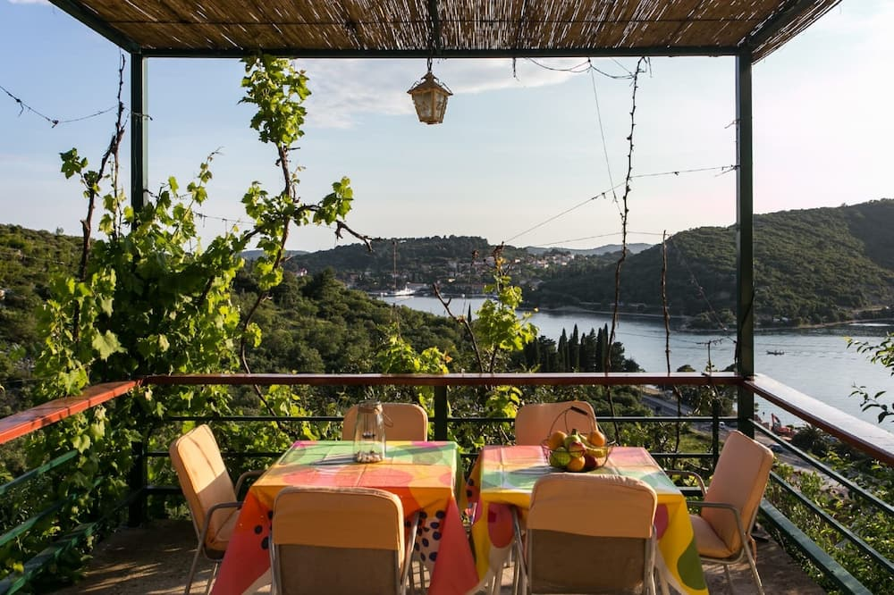 Apartment (Two Bedroom Apartment with Terrace an) - Terrace/Patio
