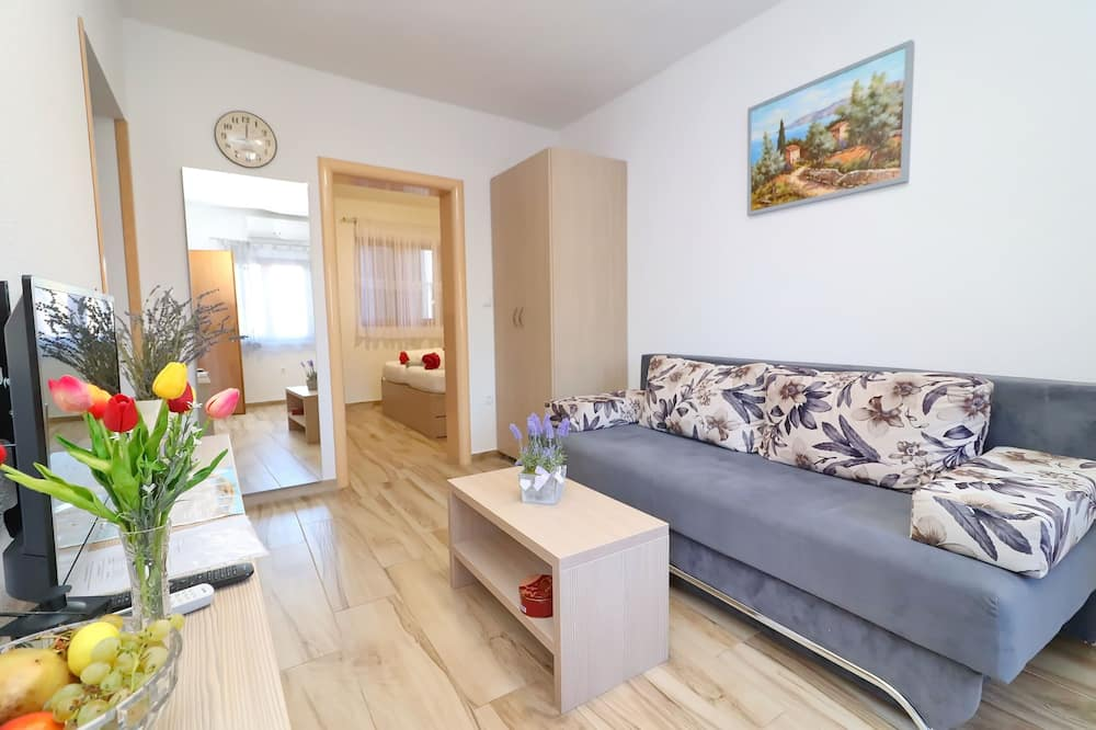 Apartmán (Standard One Bedroom Apartment with S) - Obývačka