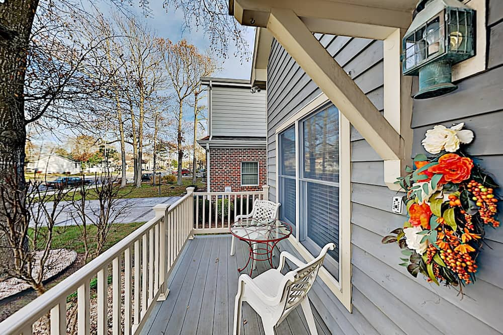 House, 4 Bedrooms - Balcony