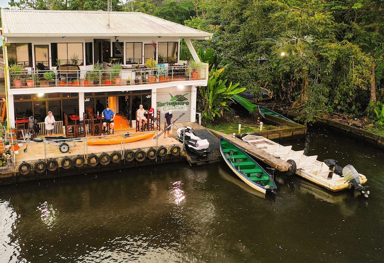 Tortuguero Adventures Guesthouse, Тортугеро
