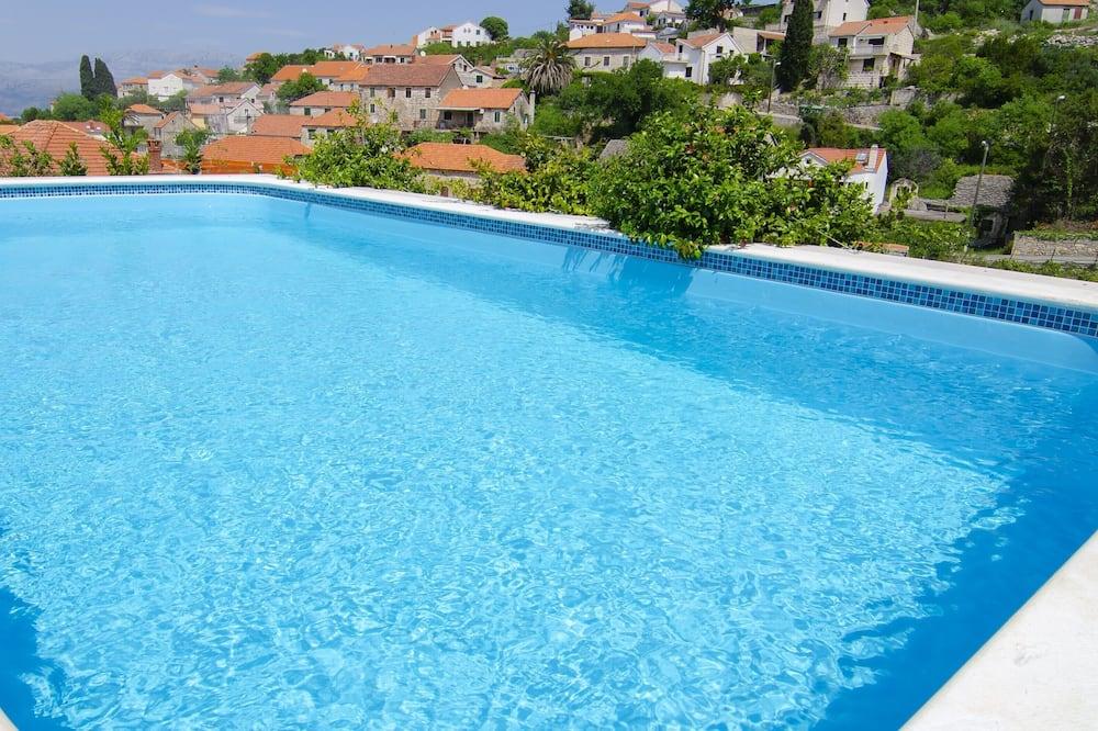 Vila (Three Bedroom Holiday Home with Priva) - Bazén