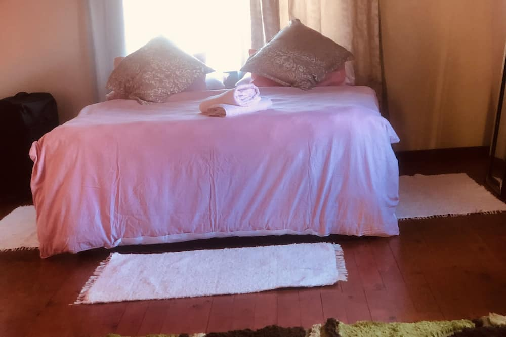 Zagorskis Bed and Breakfast - Deluxe Room