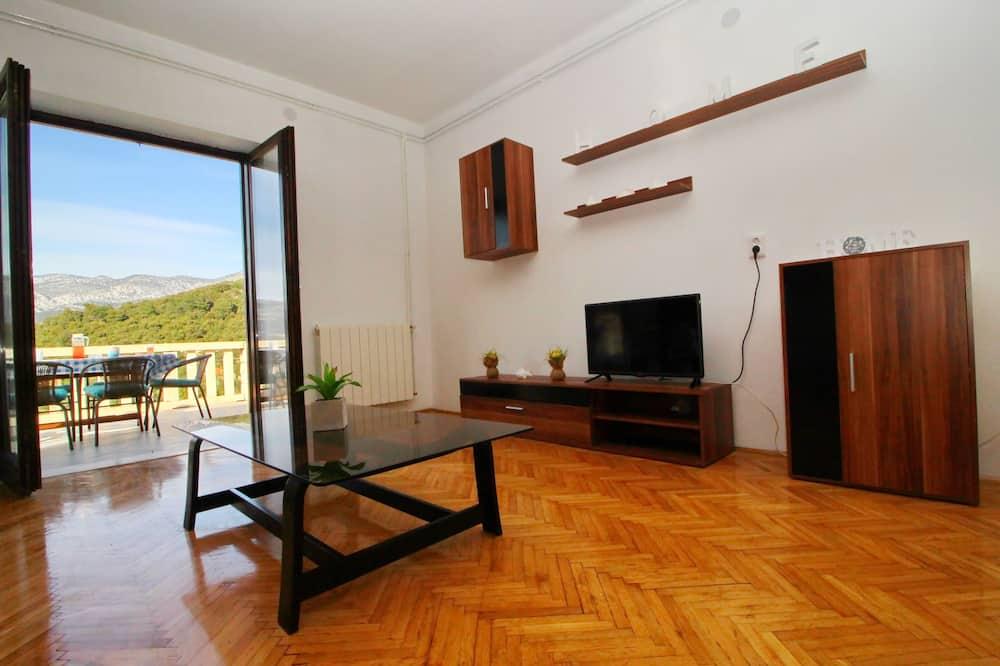 Dzīvokļnumurs (Three Bedroom Apartment A3) - Dzīvojamā istaba