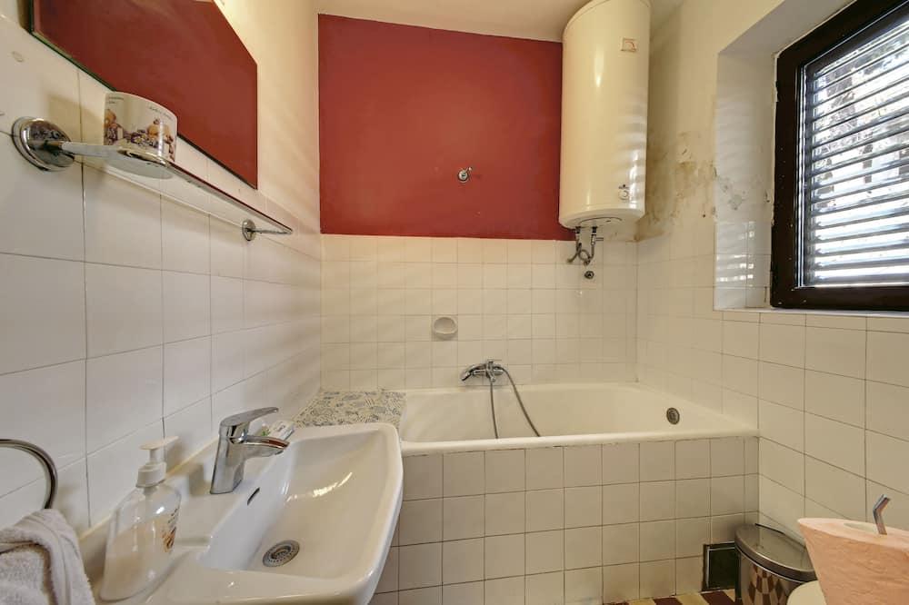Apartmán (Two Bedroom Apartment) - Koupelna