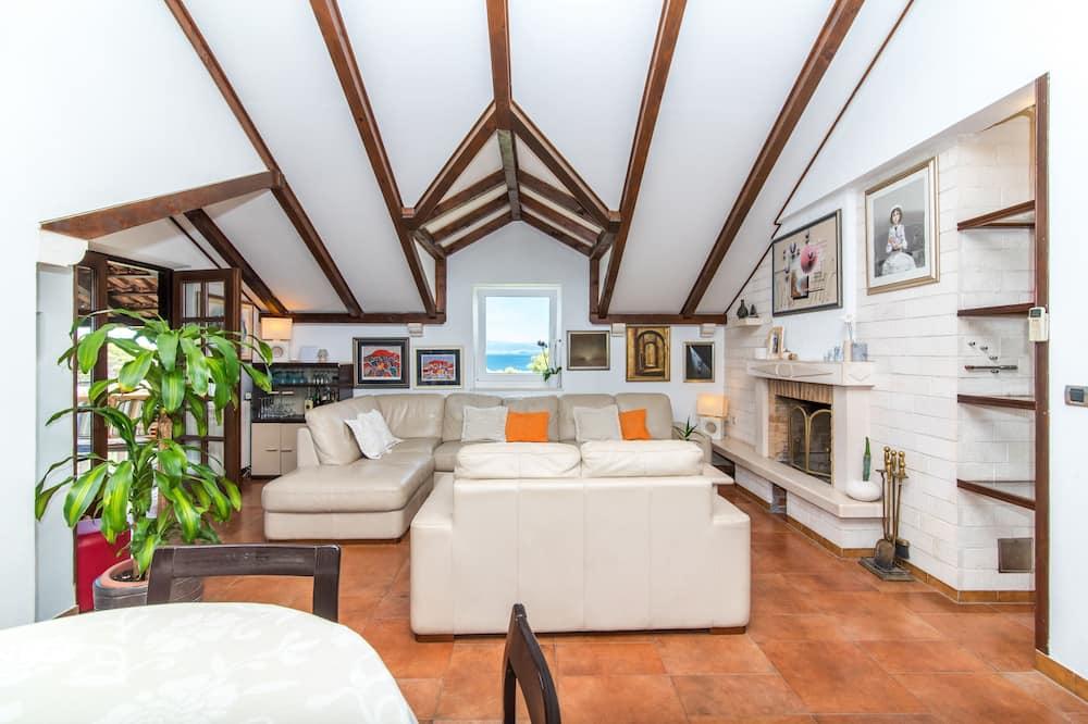Apart Daire (Three Bedroom Apartment NERA) - Oturma Odası