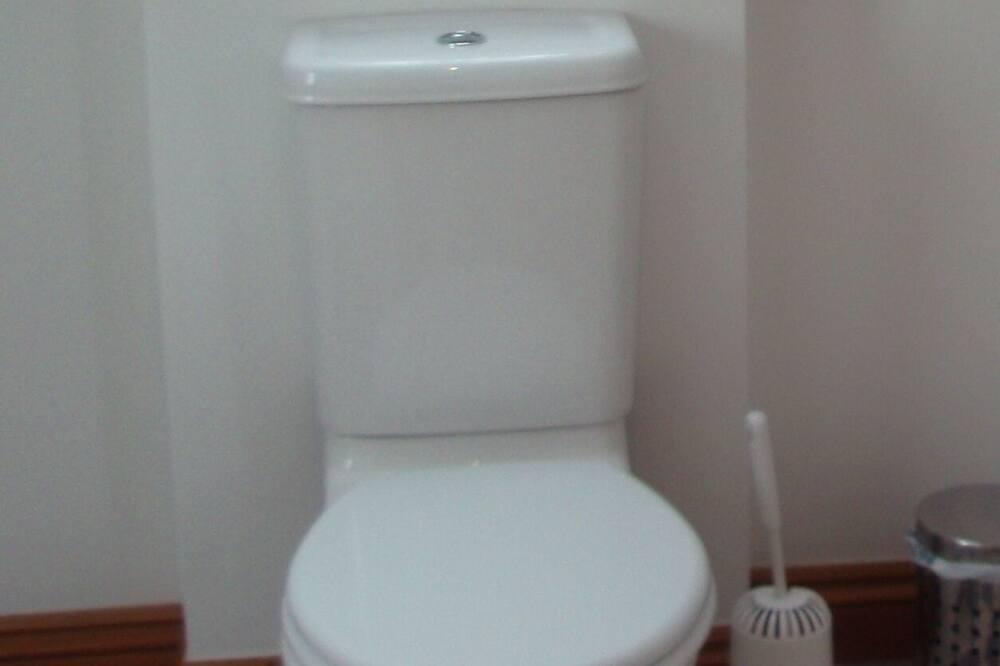Double or Twin Room, Ensuite, Sea View (Sea Holly) - Bathroom