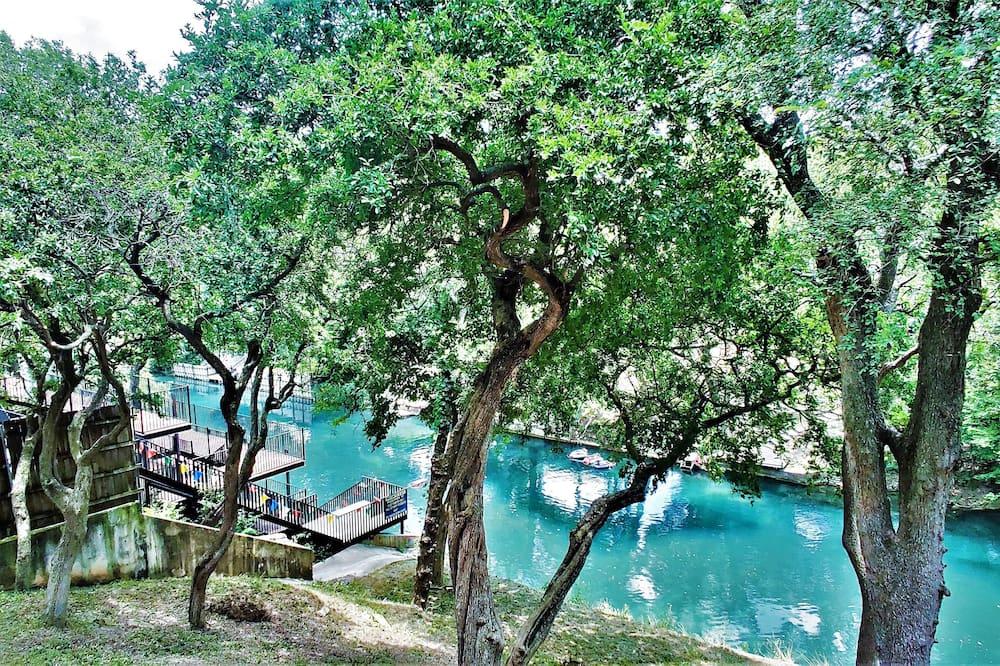 Dom (NEW-Luxury Riverfront Condo 1blk to S) - Bazén