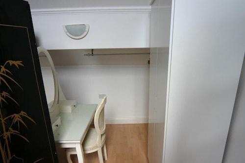 Apartment-Suite-Ensuite
