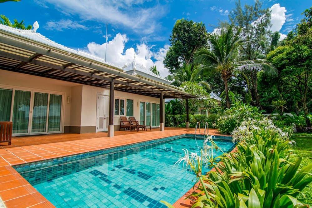 Ban Laem Pong Villa, Sleeps 4 With Pool