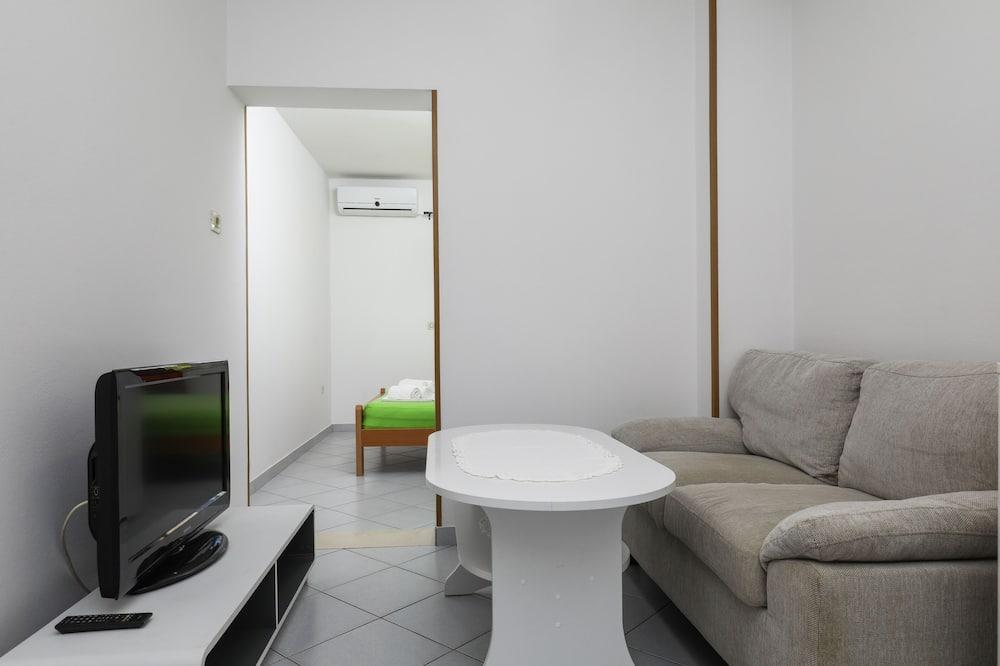Štúdio (Studio Apartment) - Stravovanie v izbe