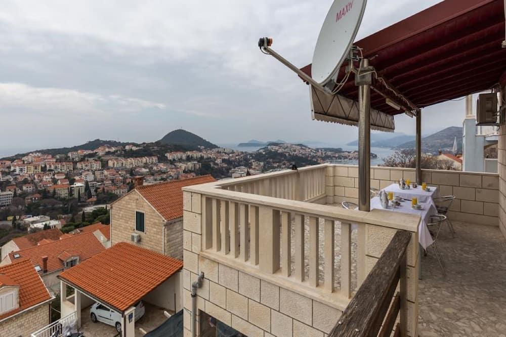 Двомісний номер (Double Room with Private Bathroom) - Балкон