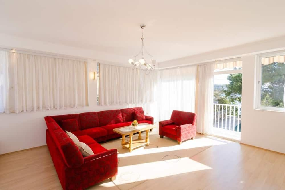 Apartmán (One Bedroom Apartment with Sea View) - Obývačka