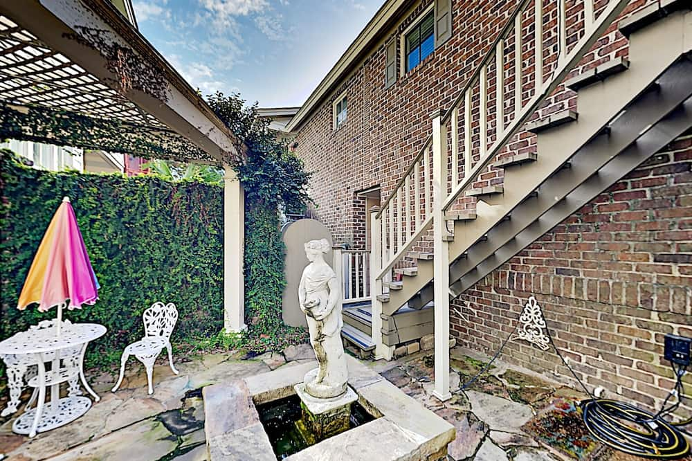 Apartment, 1 Bedroom - Property Grounds