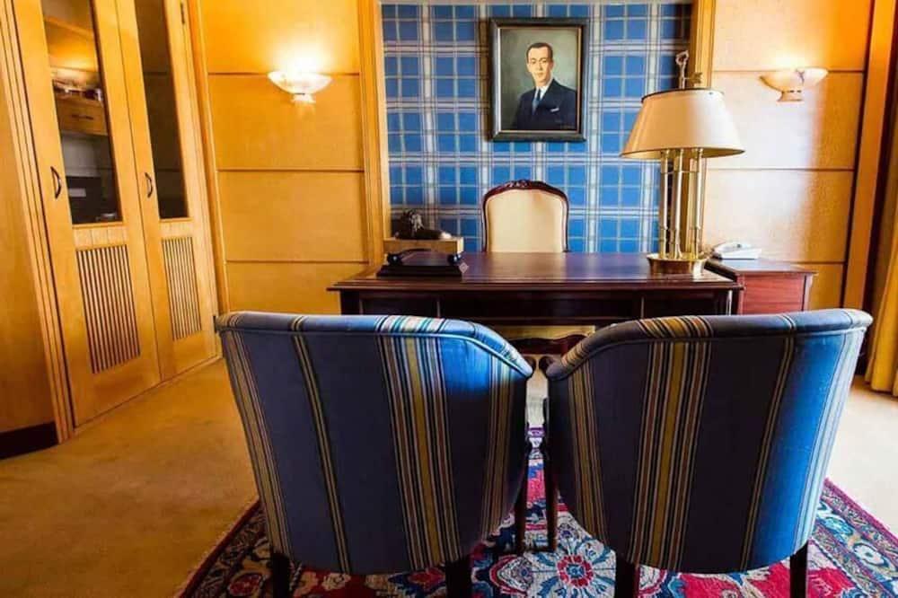 غرفة ديلوكس بسريرين منفصلين - غرفة نوم واحدة - منطقة المعيشة