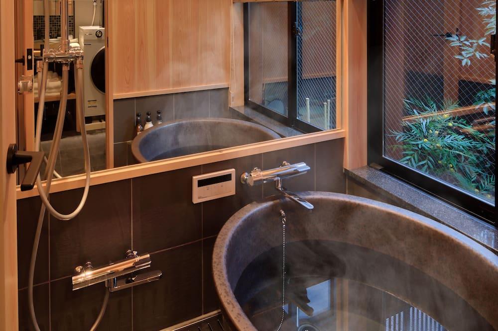 Luksuspientalo - Kylpyhuone